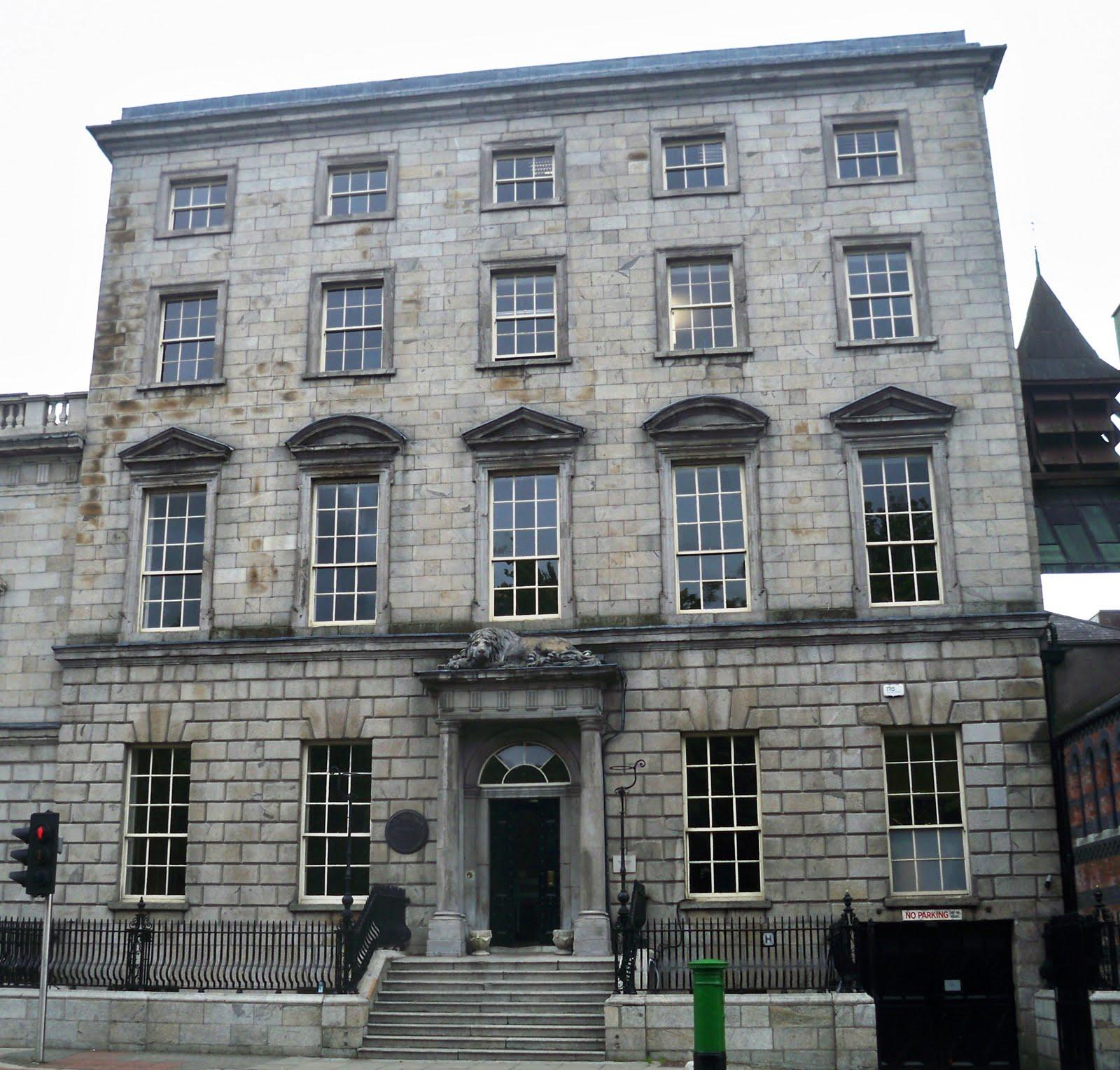 THE DUBLIN SAUNTER   ART IN THE CONTEMPORARY WORLD